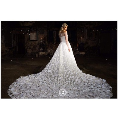 "Rising Star Gbemi Okunlola of ""Alonuko"" bridalwear"